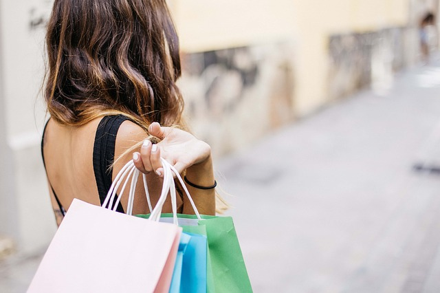 5 Differences between E-commerce and Traditional commerce